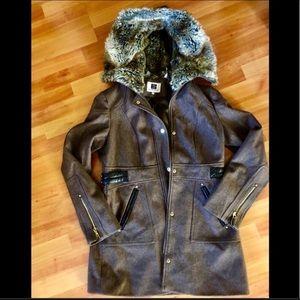*️⃣Laundry by Design Wool Coat (w/faux fur hood)
